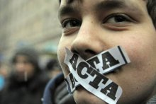 против ACTA